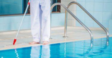 traiter piscine à l'oxygène actif
