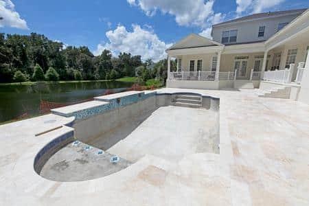 piscine creusée en bêton
