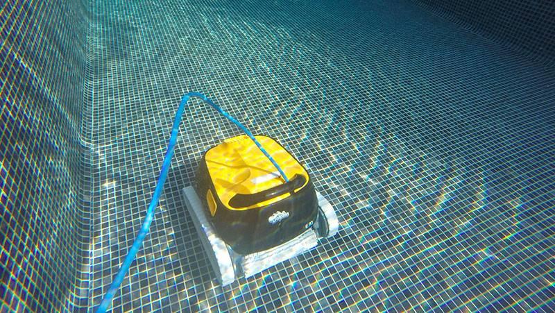 avis robot piscine dolphin e30