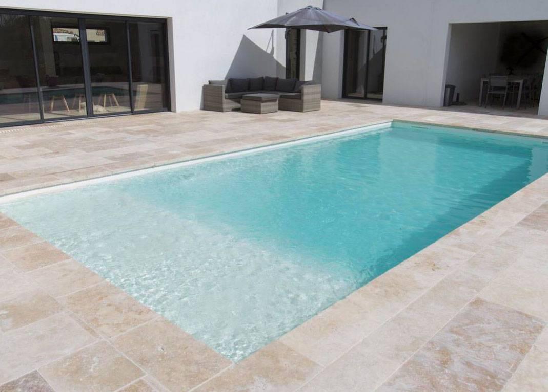 piscine coque avec plage