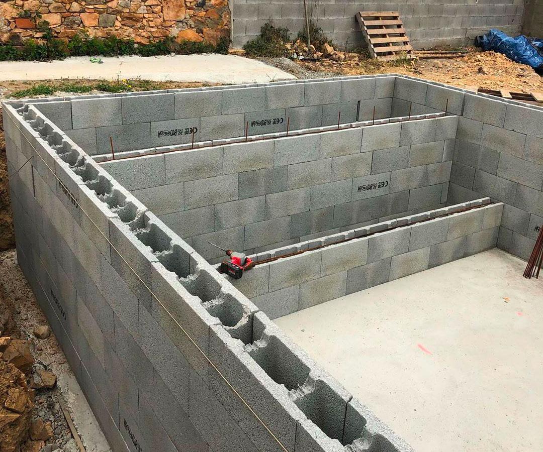 montage mur parpaing piscine