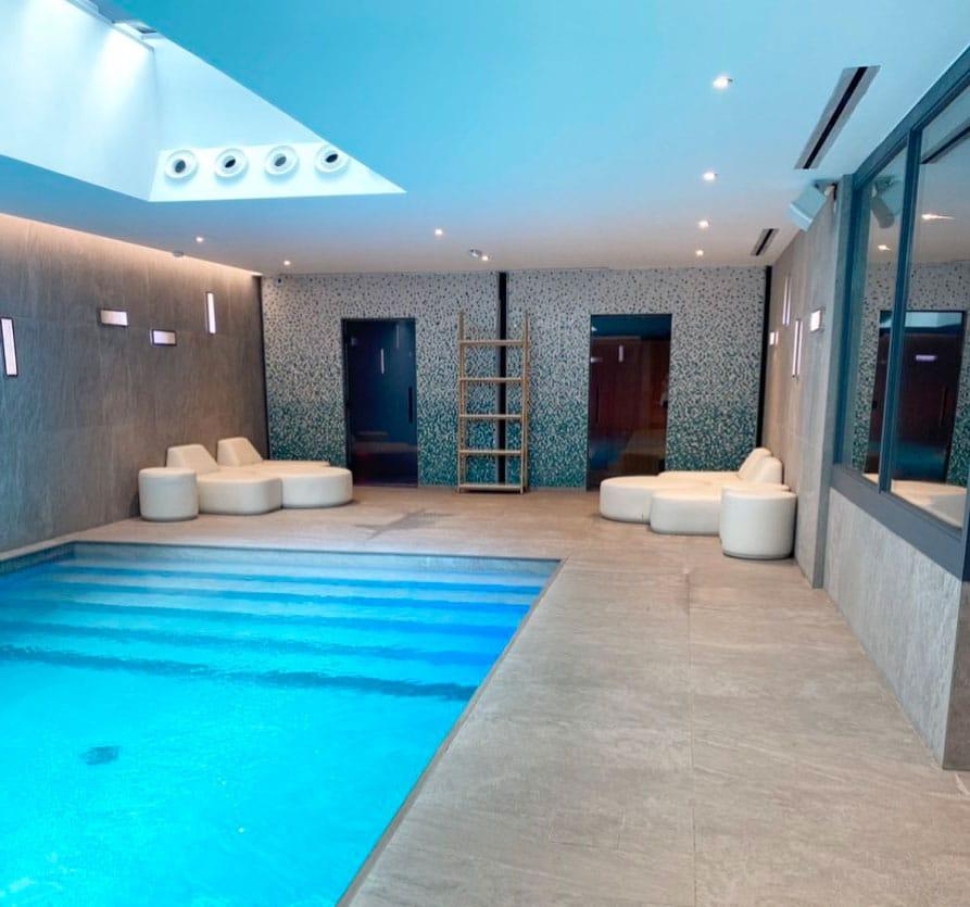 piscine d intérieur